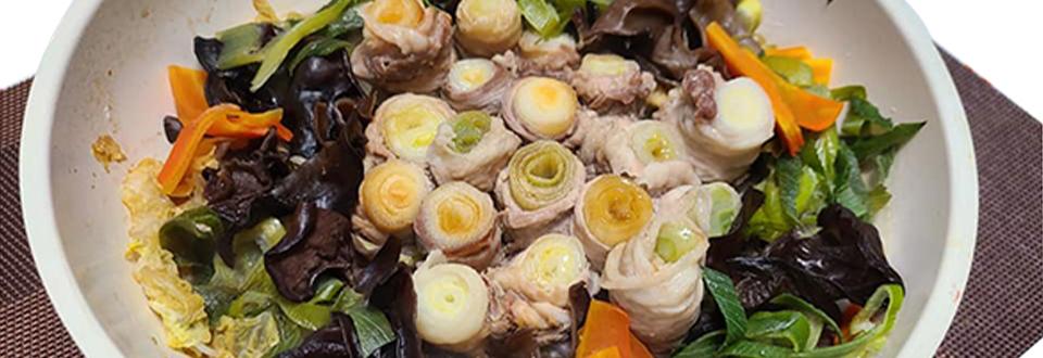 2020年12月12日世界一受けたい授業で紹介された野菜と栄養満点!低カロリー&免疫力アップ鍋「ネギの豚肉巻き鍋」