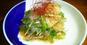 鳥取・田中農場の特製白ねぎ酢をアレンジした韓国風ドレッシングを使用したホタテのお刺身サラダ