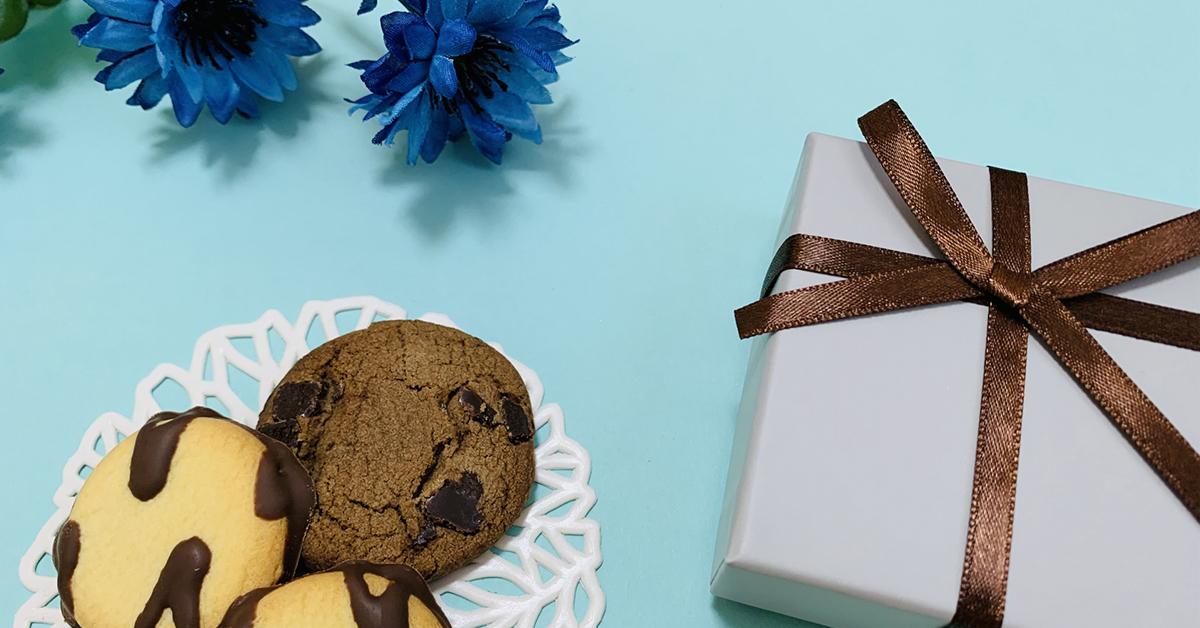3月14日ホワイトデー プレゼントや花束・クッキーなどホワイトデーのイメージ図